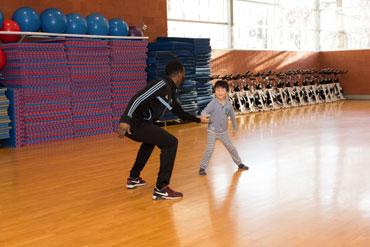 http://www.centresportifdelapetitebourgogne.ca/activites/dance-hip-hop-children-6-9-year-old/